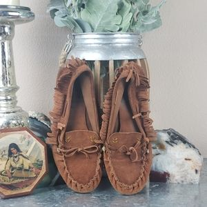 Moccasin native tribal tan suede shoes size 9